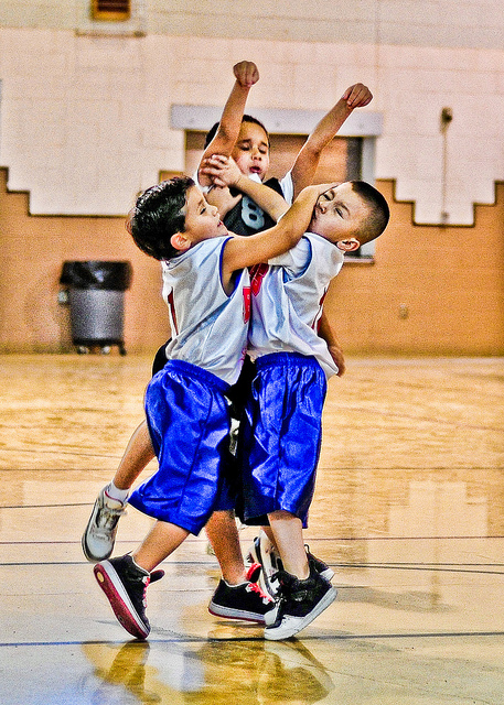 basketball kids by Larry Lamsa from Flickr